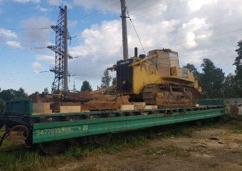 Бульдозер Komatsu D155A, погрузка на платформу, ст. Михайло-Чесноковская, г.Свободный